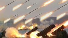 解放军炮兵拉306门大炮,30分钟轰450吨炮弹,敌军阵地片瓦不留